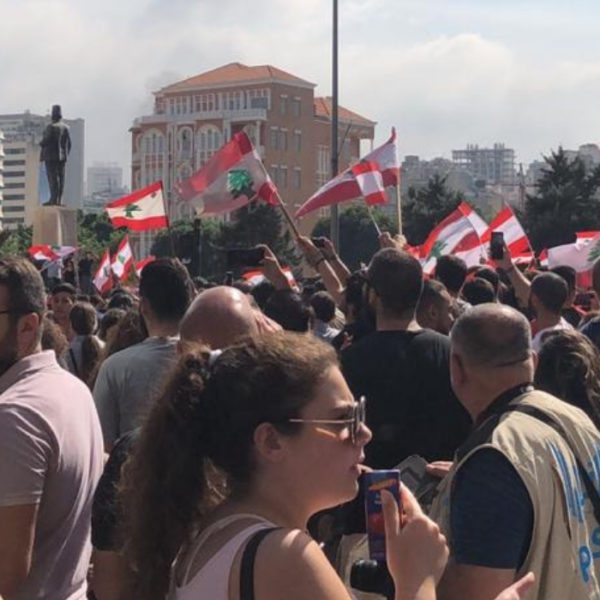 libano manifestanti violenza gruppi filo governativi